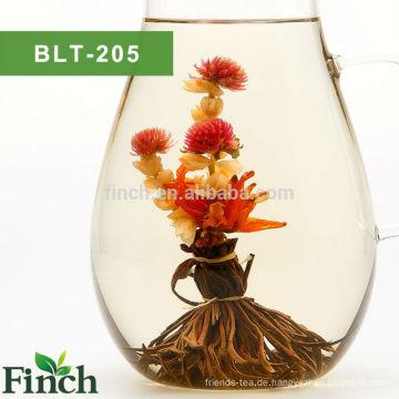 Finch Hot Sale Blooming schwarzer Tee Peacock Spread seinen Schwanz mit Lily und Jasmine Flower