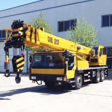 30 Tonnen LKW mit Kran