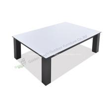 Mesa de aluminio con tapa de HPL