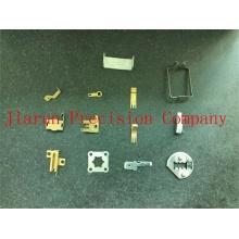 Punzón de acero en U de alta precisión que estampa las piezas