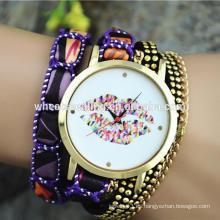 Estudiante de sexo femenino niña big dial labios elegante mujer reloj pulsera de lujo