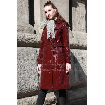 Lady long manteau en cuir verni