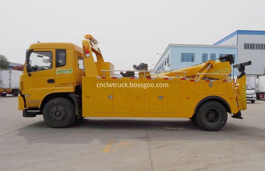 Dump Truck Towing vehicles 1