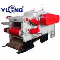 Automat wood chipper with conveyor belt