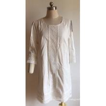 Vestido feminino de algodão voile com orifício na manga