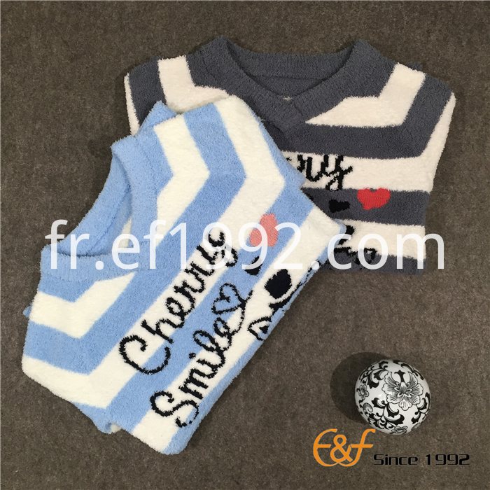 V-collar sweater for girl