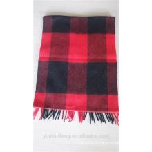 Casaco de lã quente com cacheados populares