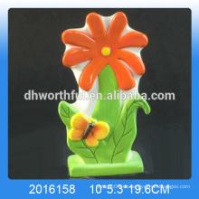 Ausgezeichneter Entwurf keramischer Blumenbefeuchter mit Schmetterlingsdekoration für Haus