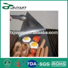 Churrasco frango não stick grill folha ~ 2 esteiras cada em linha reta em seu prato quente