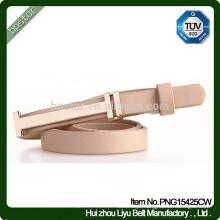 Cintura fina de senhora elegante de couro genuíno
