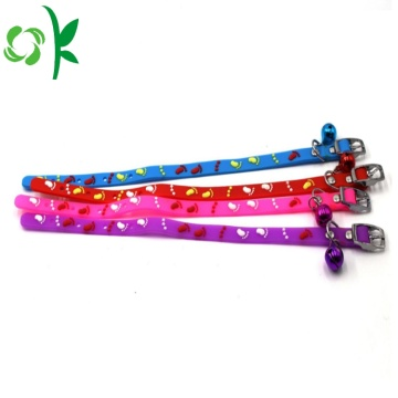 Colorful Dog Silicone Pet Cat Collar dengan Bell