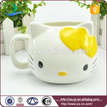 Atacado amarelo Hello Kitty copo criativo em cerâmica