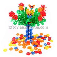 Красочная игрушка снежинки