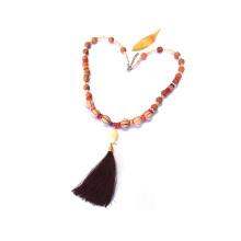 collier de perles en bois de handamde bouddha