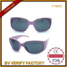 Fashionable Plastic Sunglasses with Diamonds for Women (F15825)