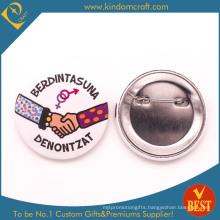 Social Interaction Souvenir Tin Button Badge in Zinc Alloy