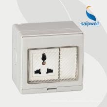 Однофазные розетки-удлинители на 250 В для поверхностного монтажа