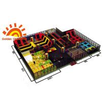 Parc de trampoline coloré pour les enfants
