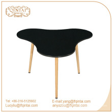 table de salle à manger en PP de bonne qualité avec pieds en bois