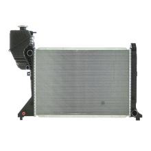 Nouveau radiateur de voiture en aluminium de pièces automobiles de conception