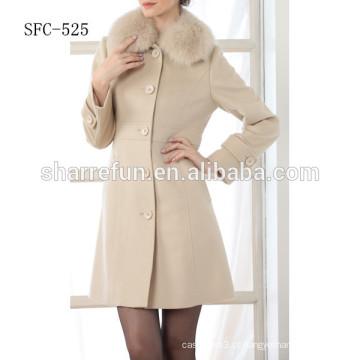 Casaco de lã feminina de cor branca