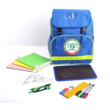 Рюкзак Пенал установлен обратно в школьную сумку