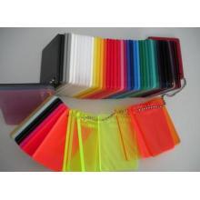 Acrylblatt mit allen Arten von Farben