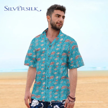Camisa de botones con estampado de verano azul verde