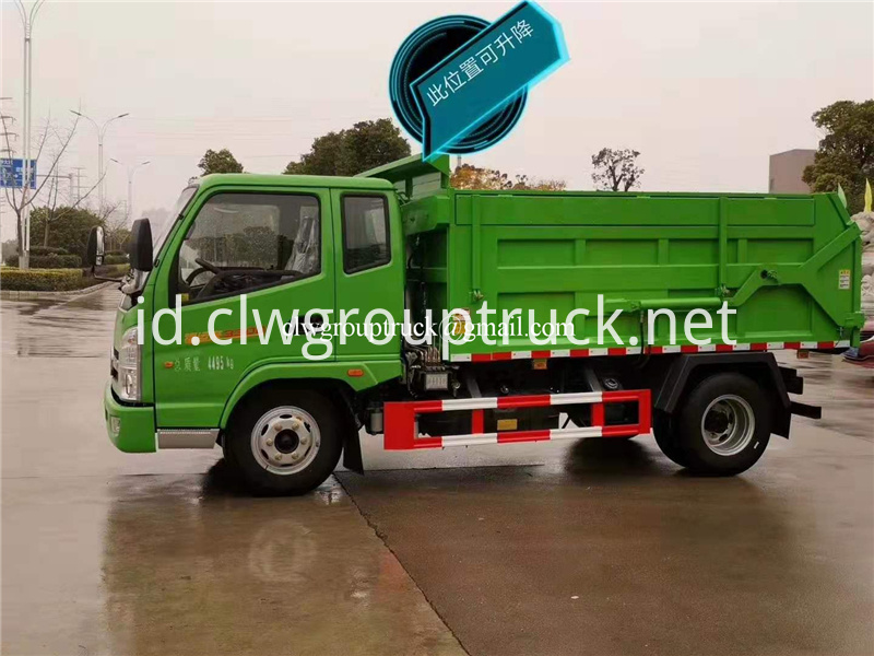 Compression Docking Refuse Collector 3