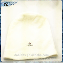 Blanco con el casquillo de la bufanda del emboridery hecho en China