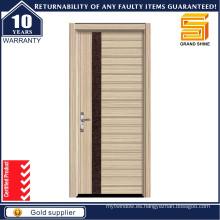 Puerta exterior de madera de madera blanca interior