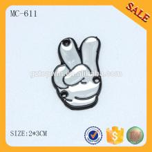 MC611 Forme la forma grabó las etiquetas de encargo de la ropa del metal