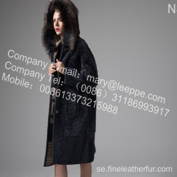 Coat With Mink Fur Flower på vintern