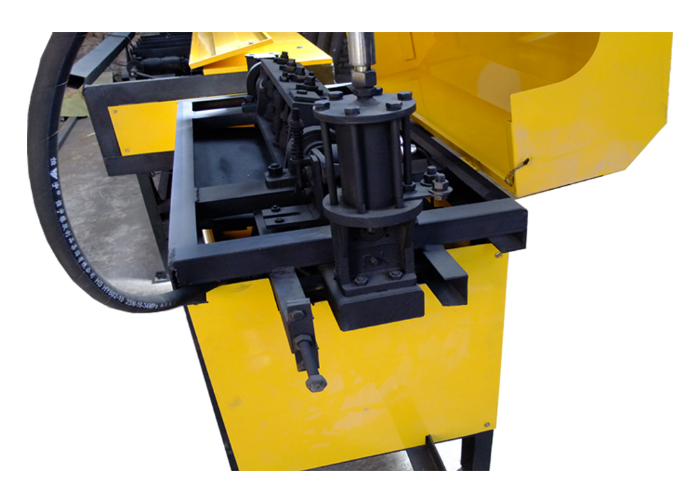 Steel bar straightening and bending integrated machine