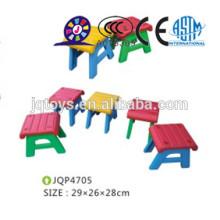 Sillas de plástico duraderas y coloreadas para niños