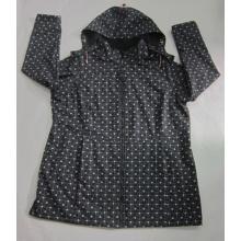 Yj-1067 bedruckte schwarze Microfleece wasserdichte, atmungsaktive, mit Kapuze Softshell Jacke
