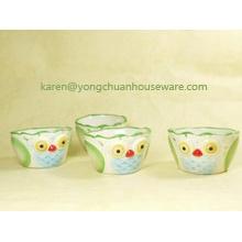 Céramique peint à la main L'ensemble de 4 tasses de mesure-Forme des oiseaux