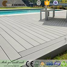Cubierta compuesta de la piscina del plástico de madera de la cubierta al aire libre fácil antirresbaladiza del efecto