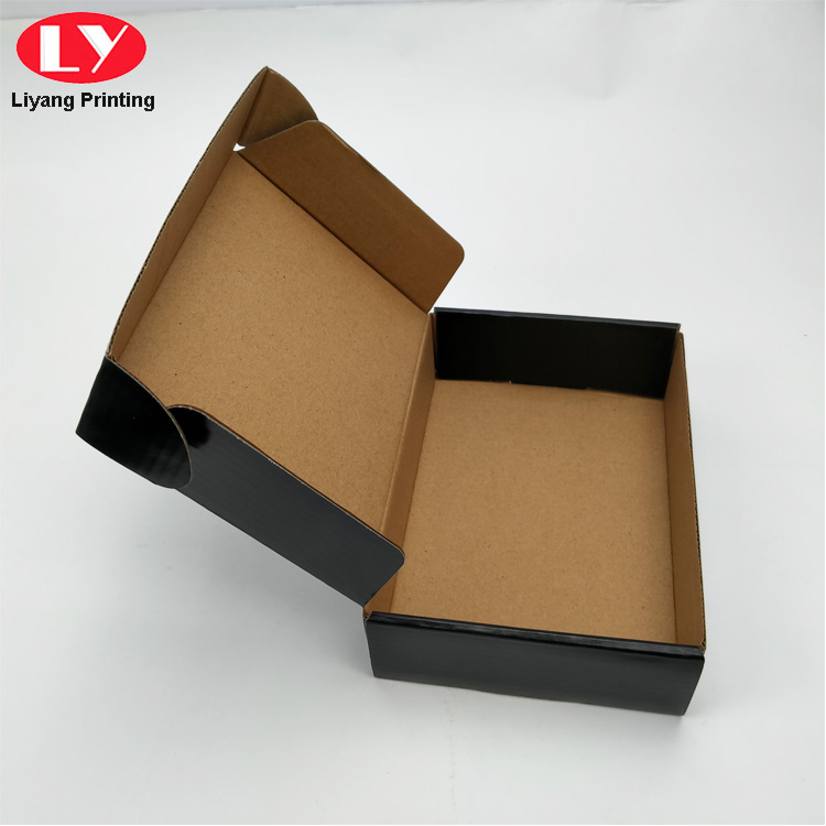 Shipping Box Black