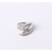 Good Quality Fashion Design Jewelry Ring in Rhodium Plated with Rhinestones