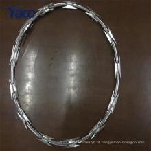 Preço barato pesado galvanizado, aço inoxidável rolo de arame farpado para beira-mar