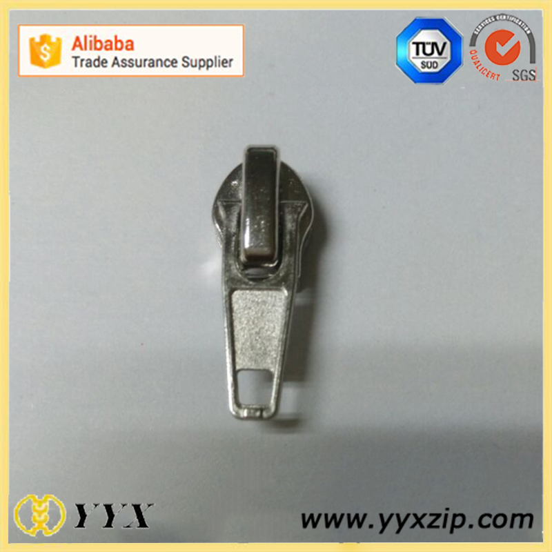 silver zipper slider