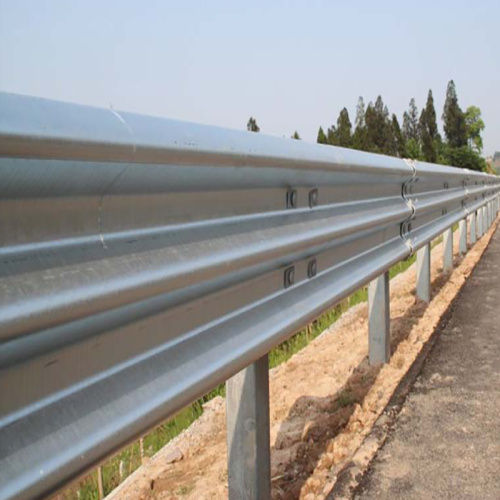 barriera di sicurezza stradale guardrail autostradale