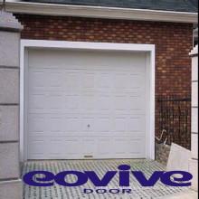 Puerta enrollable de garaje residencial marca EOVIVE