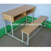 Schulmöbel Schüler Schreibtisch und Bank