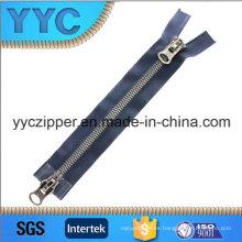 # 8 Y Dientes Doble Vía Zipper plástico abierto