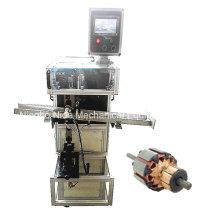 Machine d'insertion automatique de cales de rotor