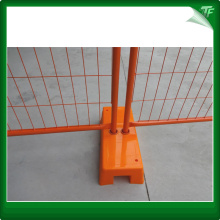 GalvanizedRoadside crowd control barricade