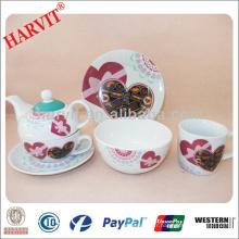 Valentine Heart Design Ensemble de petit-déjeuner / Cuisine Set de petit-déjeuner Vaisselle moderne / Set de petit-déjeuner Kettle Coffee Mug Cup Saucer