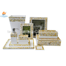 Set de dix pièces Ensemble de salle de bains en polyresine de nacre dorée